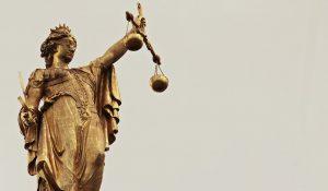 Σε τούτον τον έρμο τον τόπο δικαιοσύνη δεν υπάρχει ή τι γνωρίζει ο Μήτσος για το σκάνδαλο Novartis – ΗΧΩλόγιο