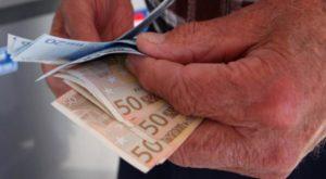 Από σήμερα η υποβολή αιτήσεων για τη λήψη των 800 ευρώ για τους οικοδόμους, δασεργάτες, χειριστές κ.ά.